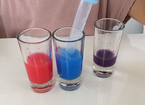 ベビーの化学実験