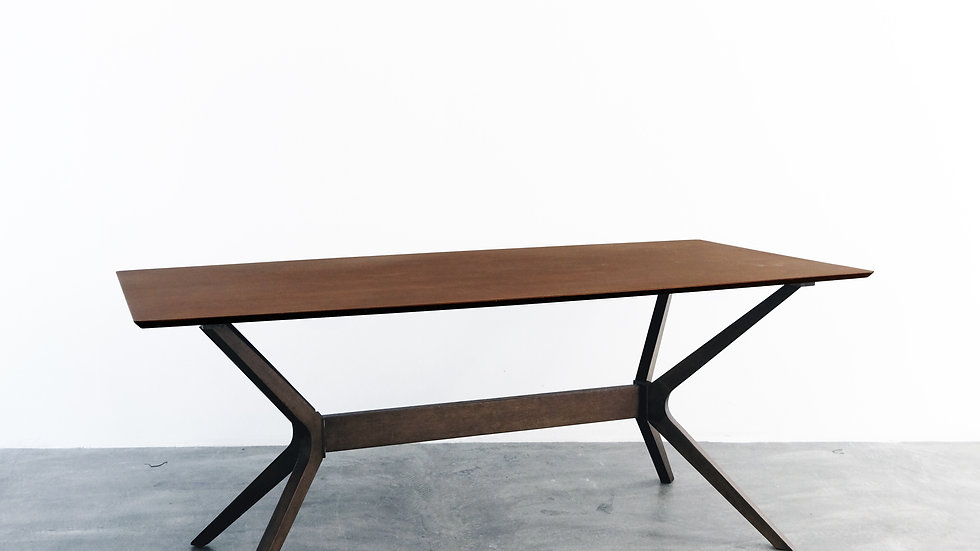 Cody Table