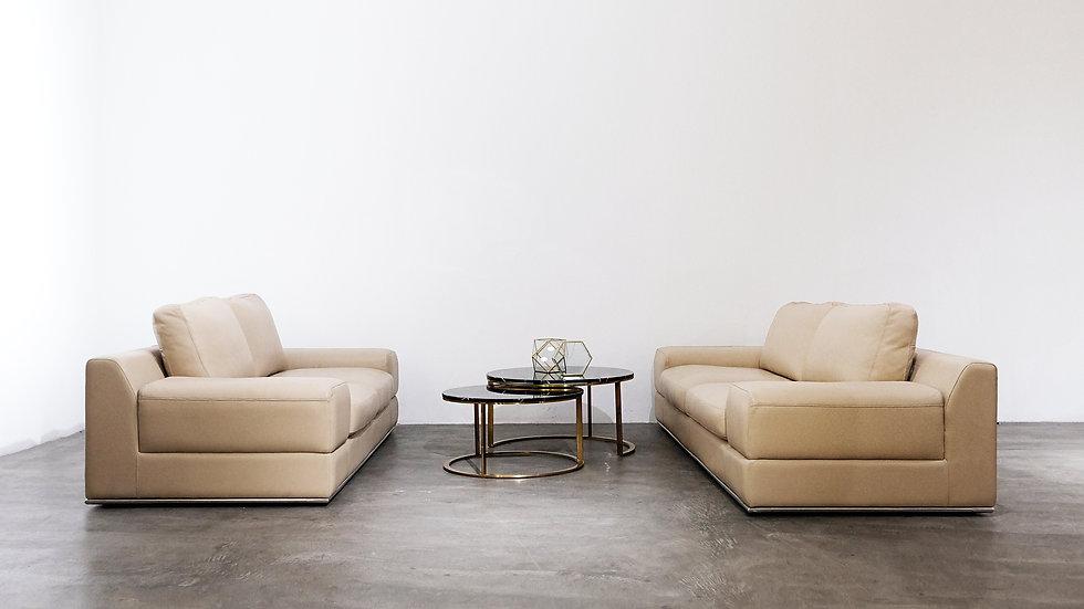 Heshii Sofa aderline