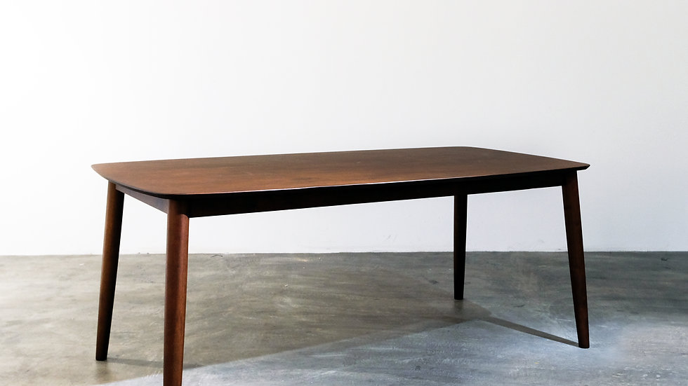 Majestic Table