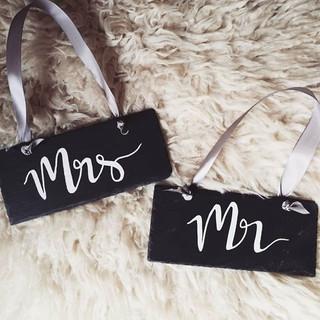Handlettered Mr & Mrs signs