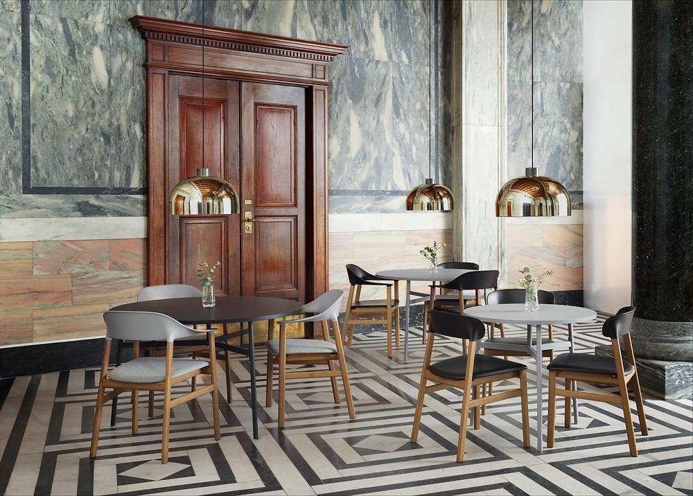Herit tool on Normann Copenhagen´i uudne klassikalisest stiilis mugavust ja elegantsi pakkuv toode