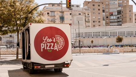 Camion Leo's Pizza