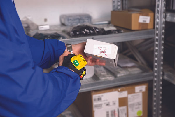 PLA-HANDSCANNER-WAREHOUSE3-HR.jpg