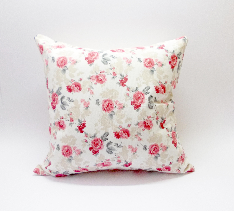 Diseño Pequeñas Flores Rojas
