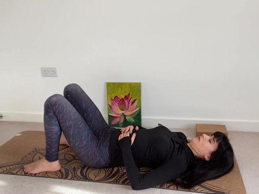 Postnatal yoga poses for new mums