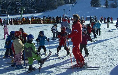 ski-lessons-249504_edited.jpg