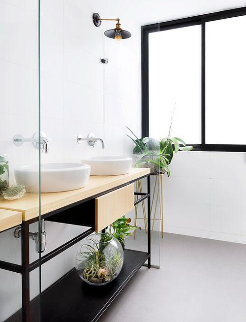 По индивидуальному запросу, мы занимаемся подбором декора и озеленения как жилых, так и общественных пространств.