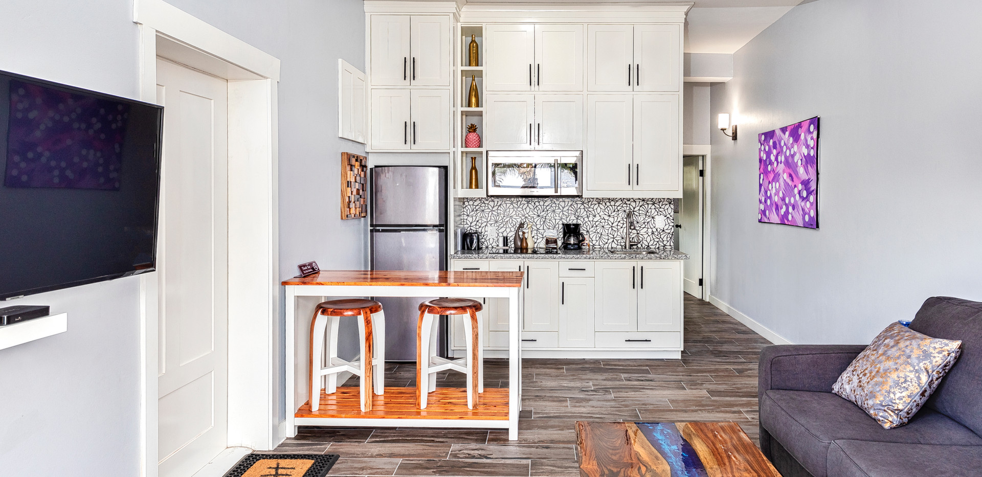 Villa Living Room & Kitchen