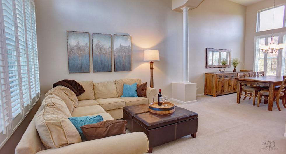 Living Room HDR.jpg