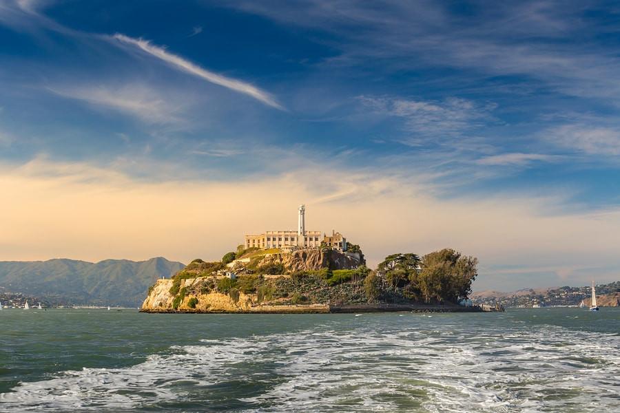 Most popular tourist destinations in San Francisco | Alcatraz prison | Ehabla Travel