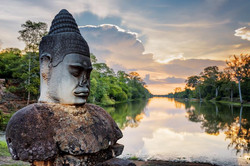 Angkor Thom   Cambodia holiday