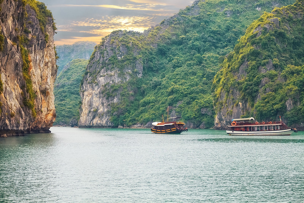 Halong Bay Vietnam | EHabla Travel