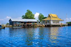 Tonle Sap Lake   Cambodia holidays