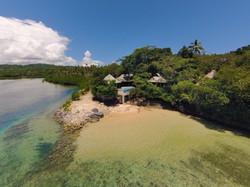 Savasi Island Bures