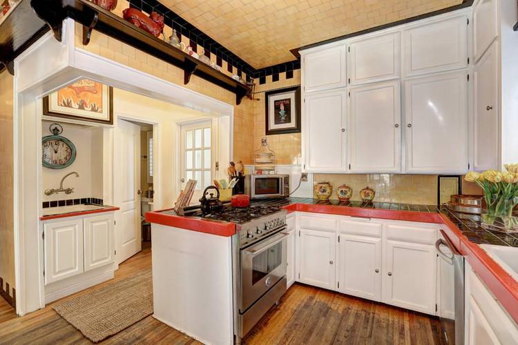 Kitchen - Beachfront Villa.jpg