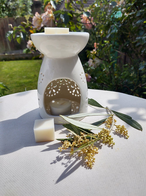 Luxury Ceramic Wax Melt Burner Two Scented Wax Melts and EcoTealight.Cool Cream