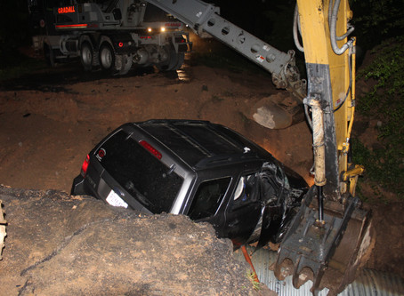 Trion man crashes into culvert after driving past road closed signs and excavator in Chattooga Co.