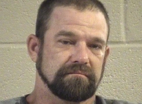 Chatsworth man leaves scene of crash while DUI, shoplifts and causes scene at Circle K in Dalton