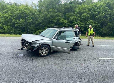 Tractor-trailer leaves scene after causing crash on I-75 in Gordon County Tuesday, teenager injured