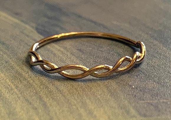 Simple Twist Ring