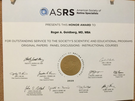 Dr. Goldberg receives the ASRS Honor Award