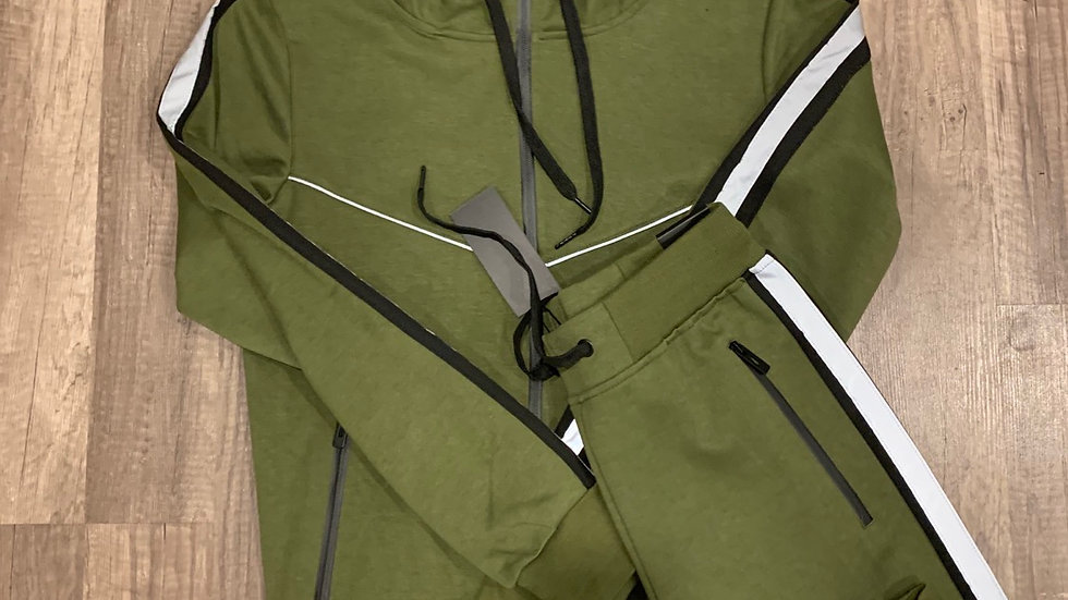 Reflessi tech suit olive green