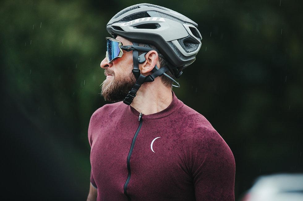 pexels-munbaik-cycling-clothing-5851019.