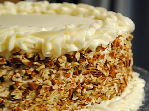 Verglo's Signature Italian Cream Cake