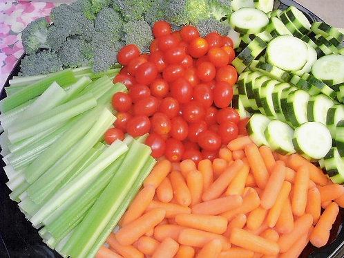 Fresh Vegetable Tray with Dip`