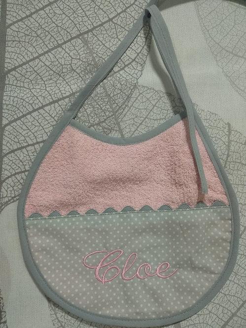 Babero para bebé bordado hecho a mano- MODELO CLOE