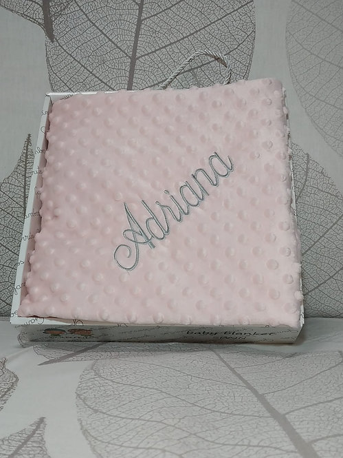 Manta rosa bebé bordada en gris - Marca Gamberritos-