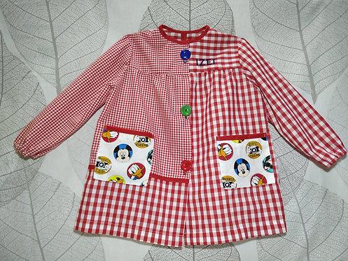 Babi (bata escolar) infantil  personalizado con nombre- CUADROS ROJO