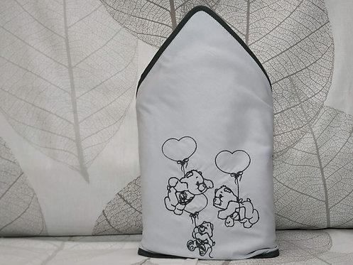 Toalla-capa de baño bebé bordada y personalizada- TRES OSITOS