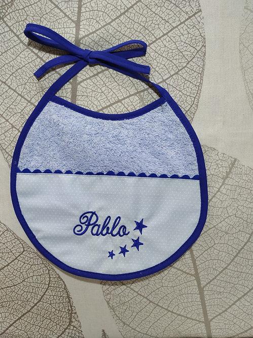 Babero para bebé bordado hecho a mano- MODELO PABLO