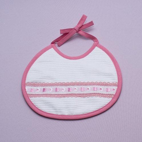 Babero para bebé hecho a mano- Entredós con encaje rosa