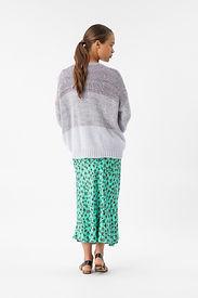 E21010013 t-shirt E21017459 cardigan E21018414 jupe.jpg