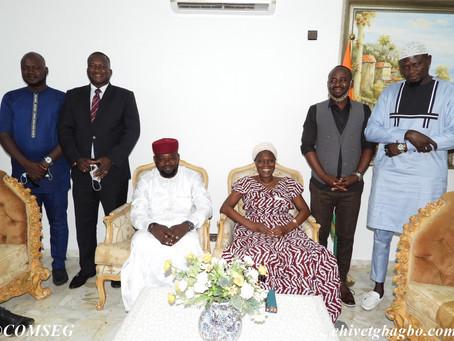 POLITIQUE : MADAME SIMONE EHIVET GBAGBO RECOIT LE MOUVEMENT DES JEUNES SOCIALISTES DU NIGER
