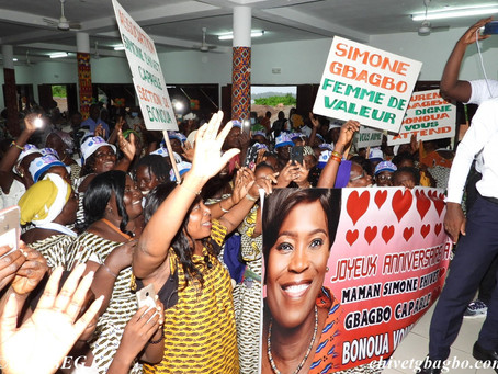 72 EME BOUGIE : MADAME SIMONE EHIVET GBAGBO CELEBREE PAR PLUS DE 2000 PERSONNES