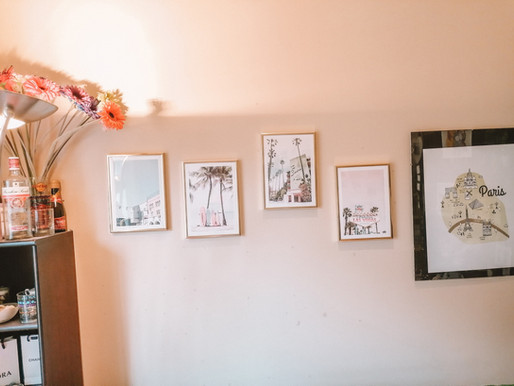 AD Creating A Gallery Wall With Poster Store