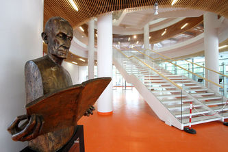 biblioteca norberto.jpg