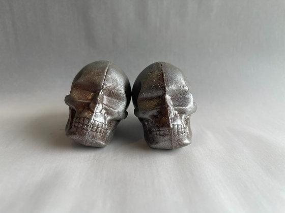 Pack of Two Skulls