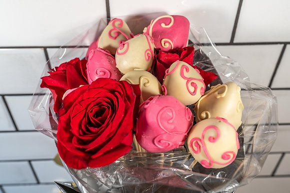 Strawberry & Rose Bouquet Lrg