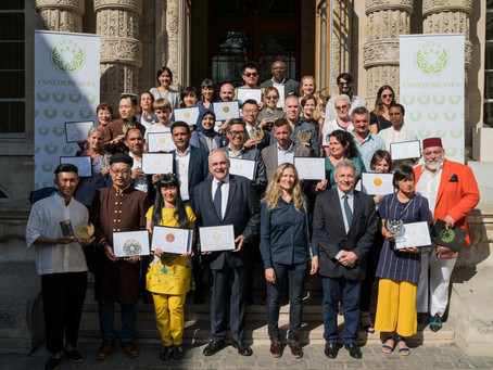 """The awards ceremony: 1st edition of the """"Teas of the World"""" International Contest AVPA-Paris"""
