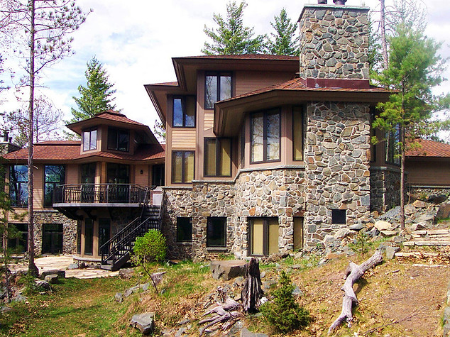 CUSTOM RIVERFRONT HOME