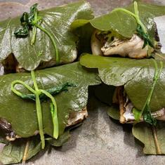 太刀魚と筍の木の芽焼きを柏の葉で包んで