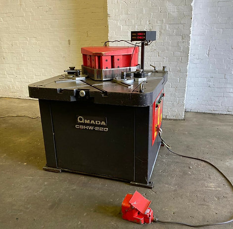 Amada CSHW-220 Twin Sided Hydraulic Corner Notcher