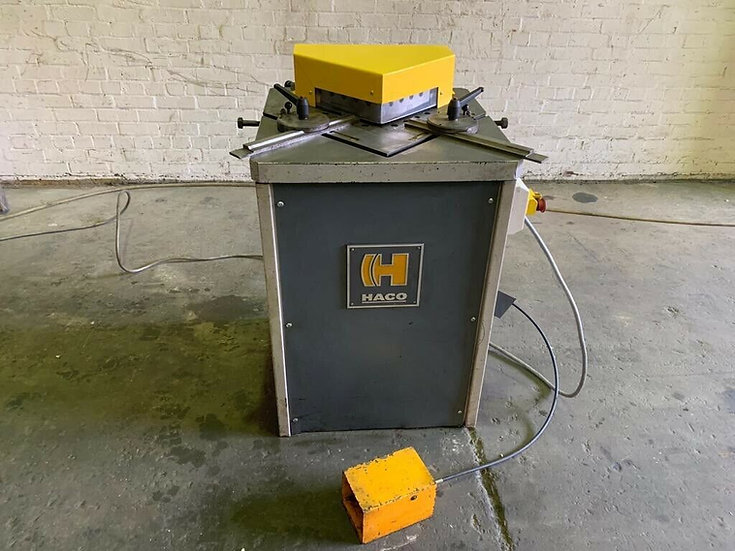 HACO Hydraulic Corner Notcher  Capacity: 220mm x 4mm