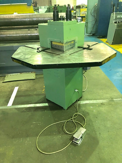 Femco Hydraulic Corner Notcher 200mm x 4mm