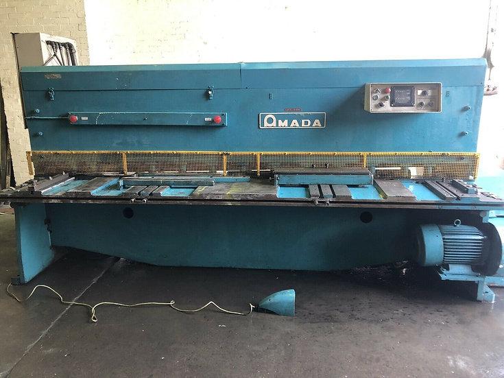 Amada Model M3060 Sheet Metal Guillotine